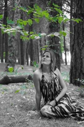 Photo : Axel Dulon avec Morgane Atelier portrait dans les bois