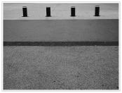 """Thème du mardi """"Alignement en noir et blanc"""" - photo par Françoise Martin"""