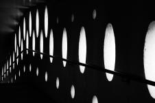 """Thème du mardi """"Alignement en noir et blanc"""" - photo par Dominique Henaff"""